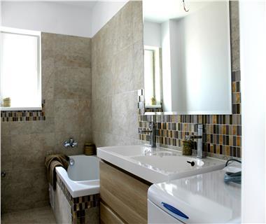 Apartament Nou 3 camere  de vanzare  C.U.G  Valea Adanca