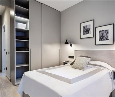 Apartament Nou 2 camere  de vanzare  C.U.G.