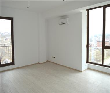 Apartament Nou 3 camere  de vanzare  C.U.G - Valea Adanca