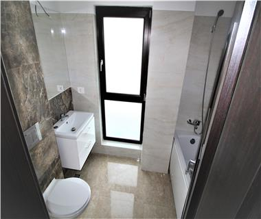Apartament Nou 4 camere  de vanzare  Galata